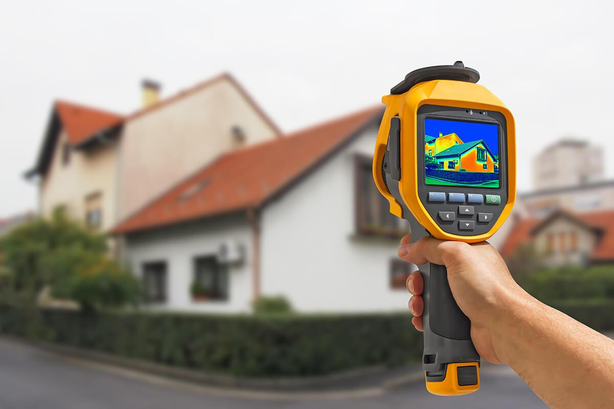 audit énergétique de rénovation globale avec mesure des déperditions thermiques d'une maison